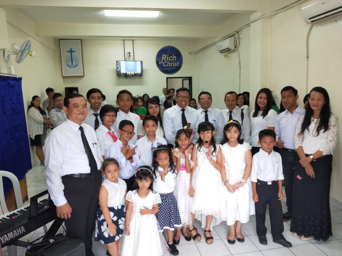 Rasul-bersama-anak-anak-dan-guru-mereka